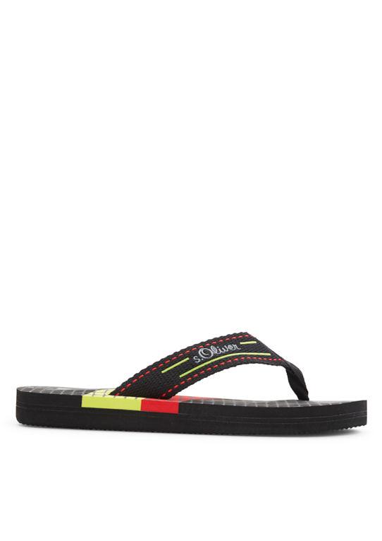 Носком сандалии в спортивный дизайн