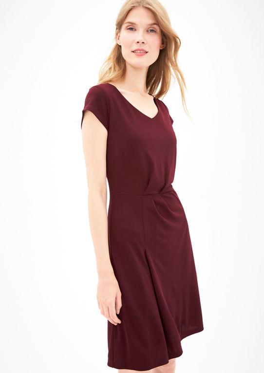 Джерси платье с пелерина эффект