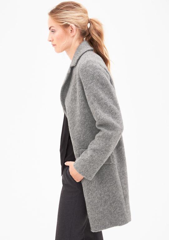 Шерстяное пальто в вязание оптики