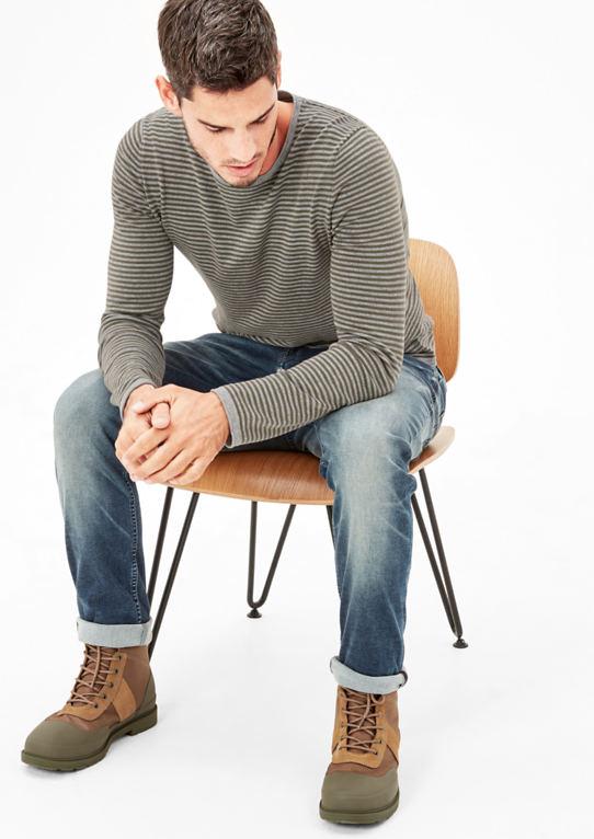 Вязаный свитер с кольцами